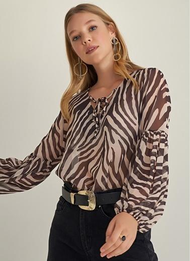 NGSTYLE Zebra Desenli Bluz Bej